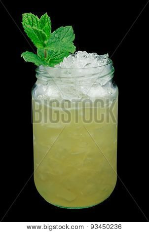 Whiskey smash drink