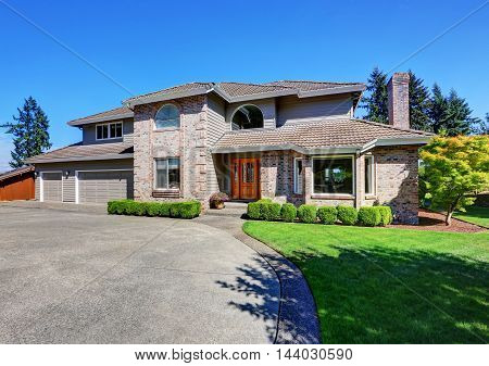 Luxury Brick House With Beautiful Curb Appeal
