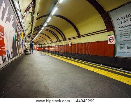 Tube Platform In London (hdr)