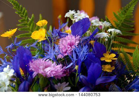 beautiful verdant flourish bouqet of spring flowers