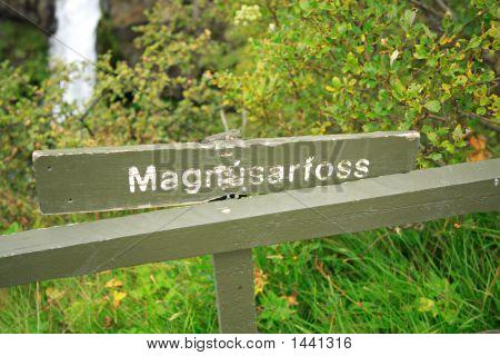 Magnustafoss Signpost