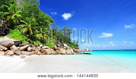 amazing tropical holidays in paradise beaches of Seychelles