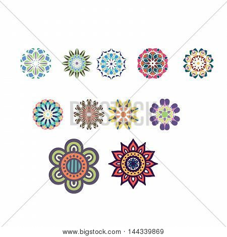 paper ornaments with many colosr and shapes