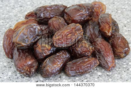 a pile of lovely tasty fresh dates
