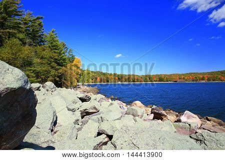 Autumn rocky shoreline at Devil's Lake State Park