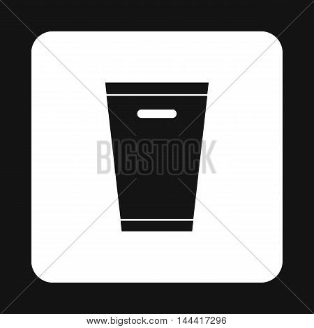 Dustbin icon in simple style isolated on white background. Sanitation symbol