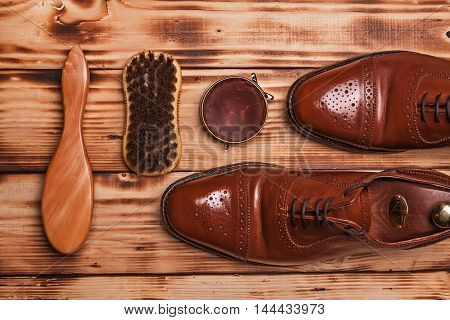Oxfords Shine Brushes And Wax.waxing. Bull Shoes.finger Polish.g