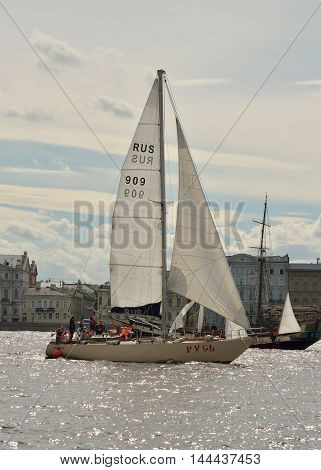 13.08.2016.Russia.Saint-Petersburg.In the Neva river held a regatta in the yachts.
