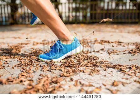 Woman run in a park