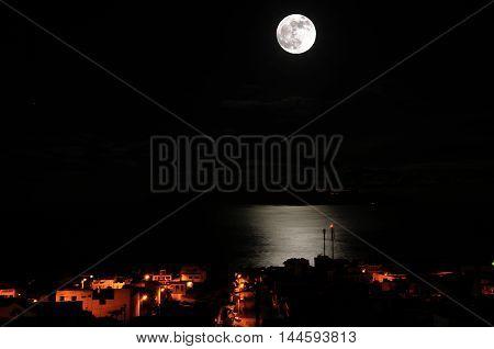 Moon Accompanies Sao Filipe