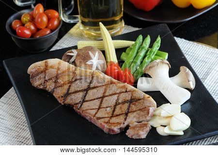 grilled, meat, steak, top, wine, view, table, grill, dinner, bbq, beef, food, background, red, barbecue, meal, flank, pepper, cooked, marinated, dish, sliced, striploin, cut, cooking