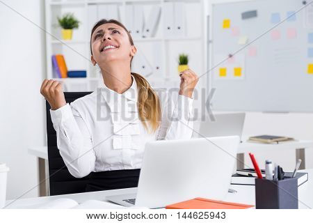 Desperate business lady ready to tear her hair out because of terrible mistake she had done in her annual business report. Concept of epic fail