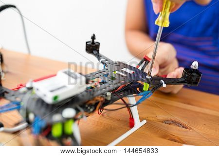 Connecting the component on drone
