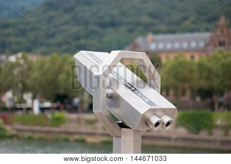 sightseeing tower viewer; observation binoculars; curiosity; viewing stand; scenic telescope; metal