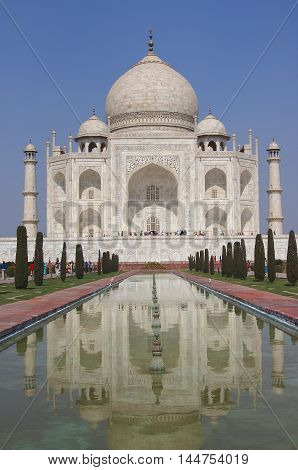 Taj Mahal ivory white marble mausoleum of Mumtaz mahal Shahjahan's wife in Agra, India