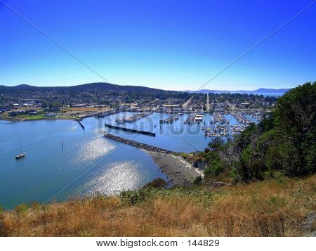 Marina, Cap Sante Overlook