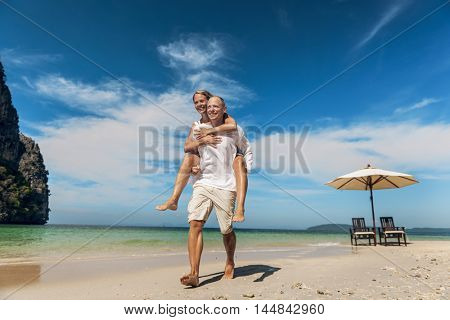 Couple Travel Sea Lifestyle Happiness Concept
