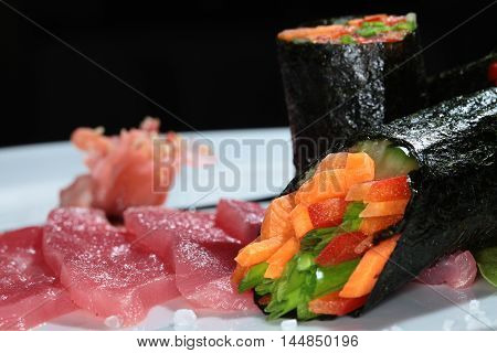 Sliced With Vegetable Rolls