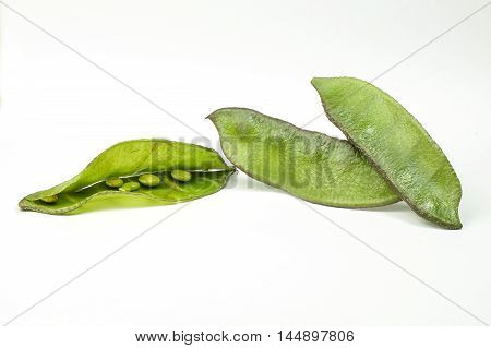 Helda flat romano bean green on white background