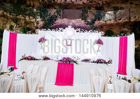 Amazing Wedding Table In Pink Style With Flowers And Foods