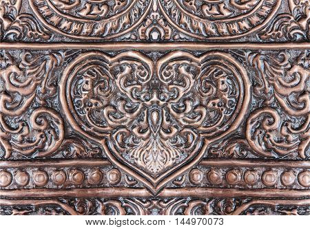The art and pattern of carving silverware.