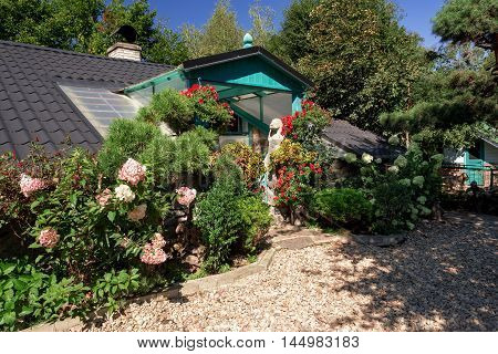 Dog Baby House With Flowers