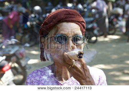 Cheroot Cigar Myanmar