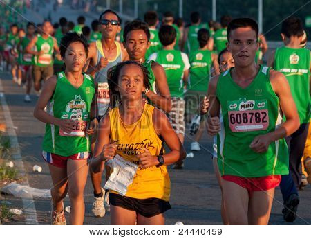 Cagayan De Oro City, Mindanao, Philippinen-35th Milo nationaler Marathon (Oct.16,2011)