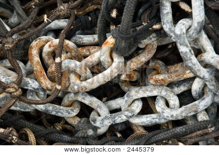 Chain In Rusty Steel For Net Of Fishing