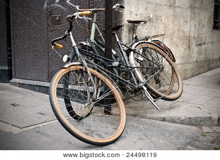 Bicycle parking on the Paris street