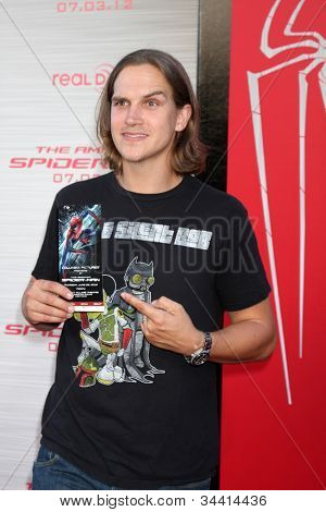 LOS ANGELES - JUN 28:  Jason Mewes arrives at the