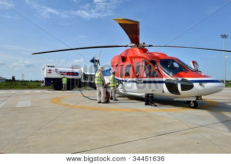 Helicopter Is Refuel