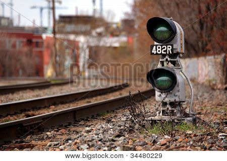 The green train signal