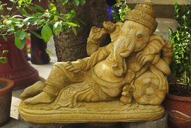 picture of dharma  - Golden statue of Ganesha  - JPG