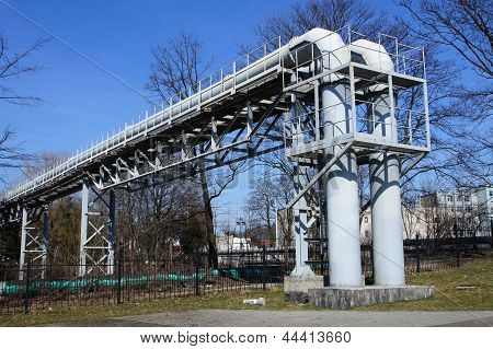 Pipe-bridge