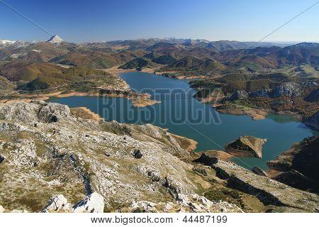 Impoundment de Riano from Pico Yordas, Leon.
