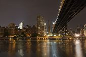 pic of overpopulation  - New York by night  - JPG