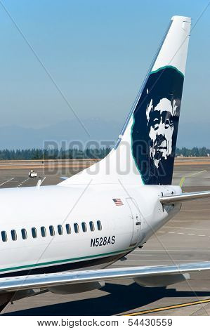 Boeing Alaska Airlines Ready To Boarding In Seattle-tacoma International Airport