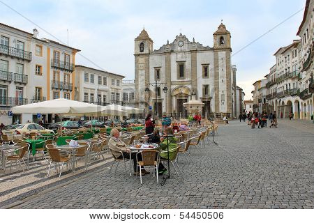 Praca Do Giraldo Or Giraldo Square, Evora