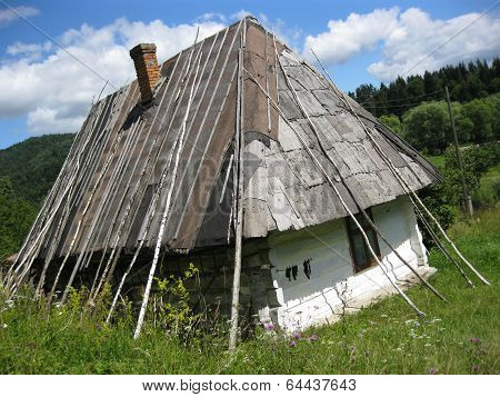 Old Rural House In Carpathian Region