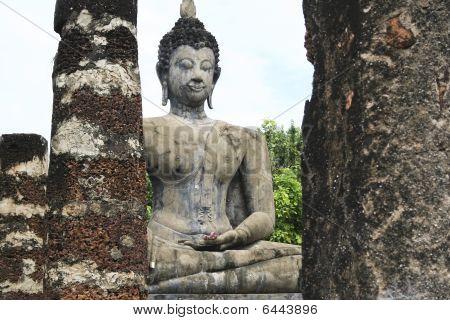 Sukothai Ancient Buddha