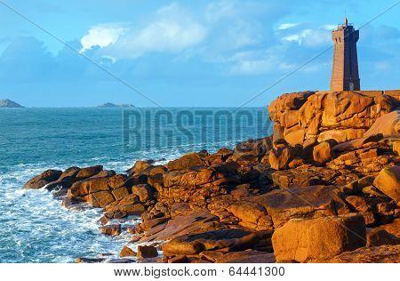 Ploumanach Lighthouse (perros-guirec, Brittany, France)
