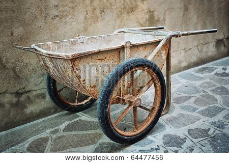 Old Hand building wheelbarrow designed for masons