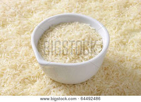 jasmine rice with measured daily dose in the ceramic cup