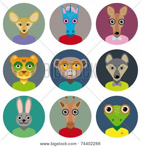 Set Of Animals Faces Circle Icons Set In Trendy Flat Style. Zoo Infographics Design.