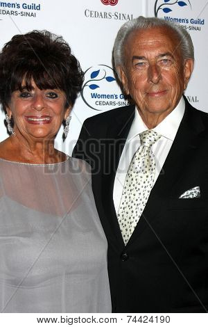 LOS ANGELES - OCT 21:  Fay Mancuso, Frank Mancuso Sr. at the Women's Guild Cedars-Sinai Gala at Regent Beverly Wilshire on October 21, 2014 in Beverly Hills, CA