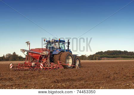 tractor seeding