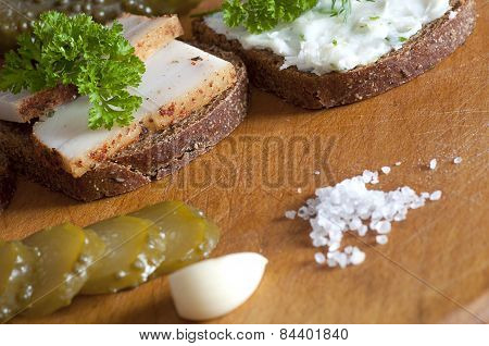 Sandwiches With Spiced And Spread Lard
