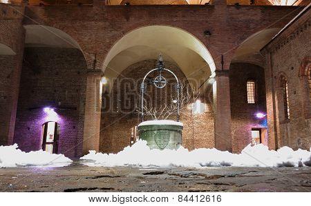 King Enzo Palace At Night