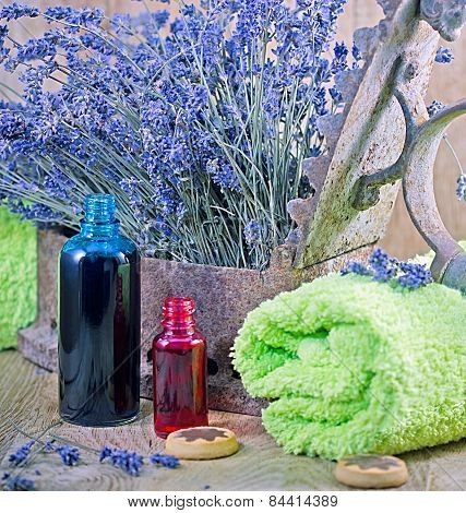 Lavender oil (aromatic oil) and lavender